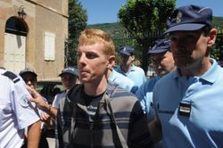 Riccardo Ricco escorte par la police